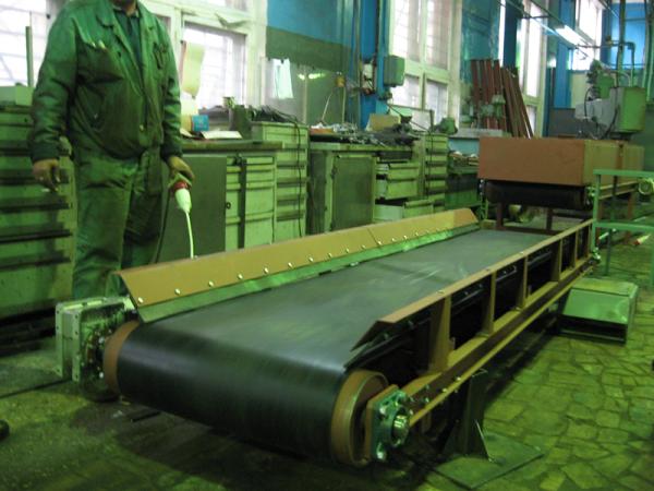 Конвейер для штучных грузов